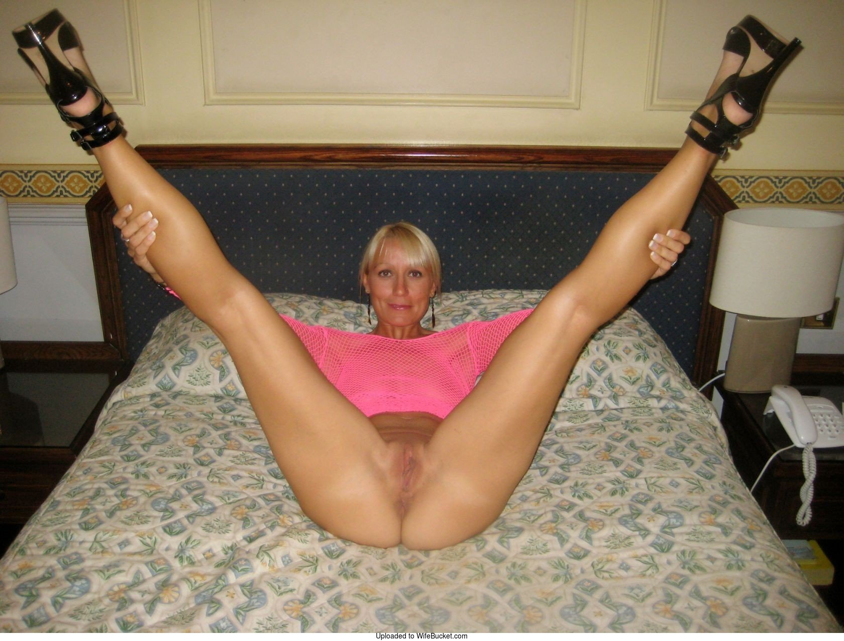 Real amateur wife nude posing