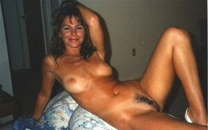 80s amateur spreading pussy