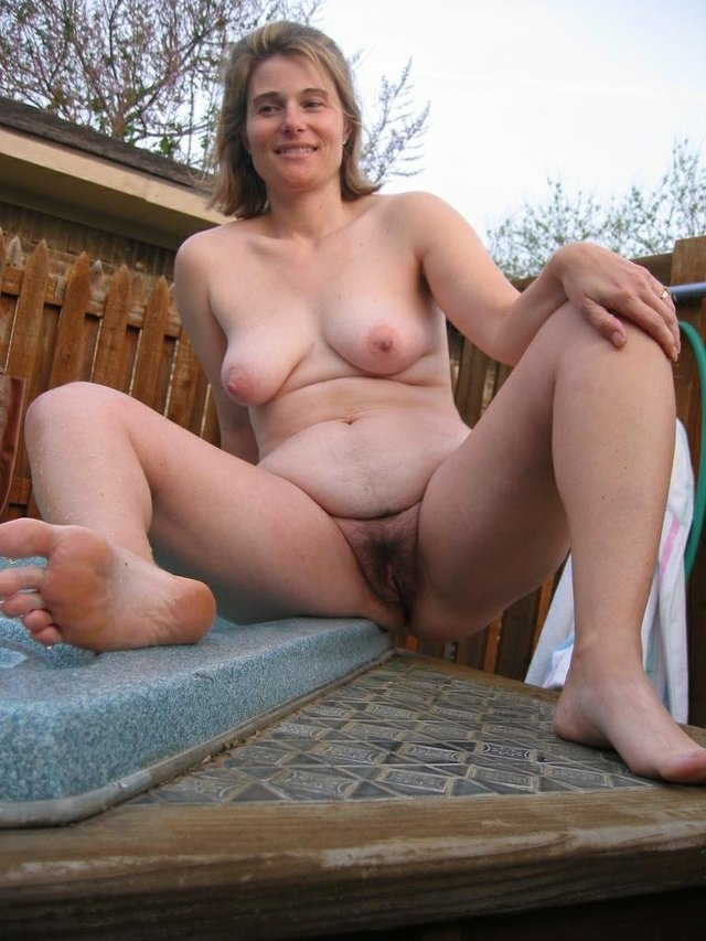 Amateur hairy mature gallery pics