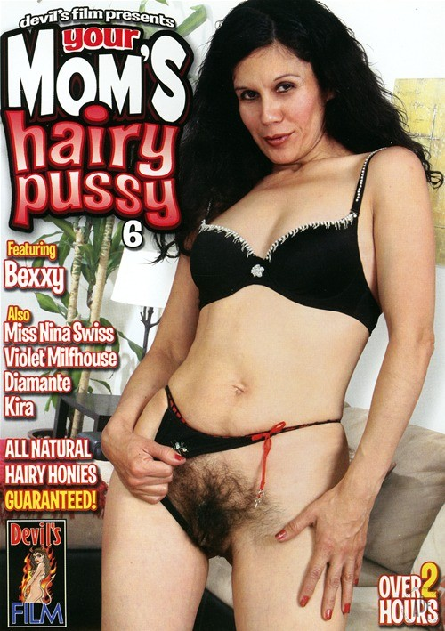Moms hairy pussy